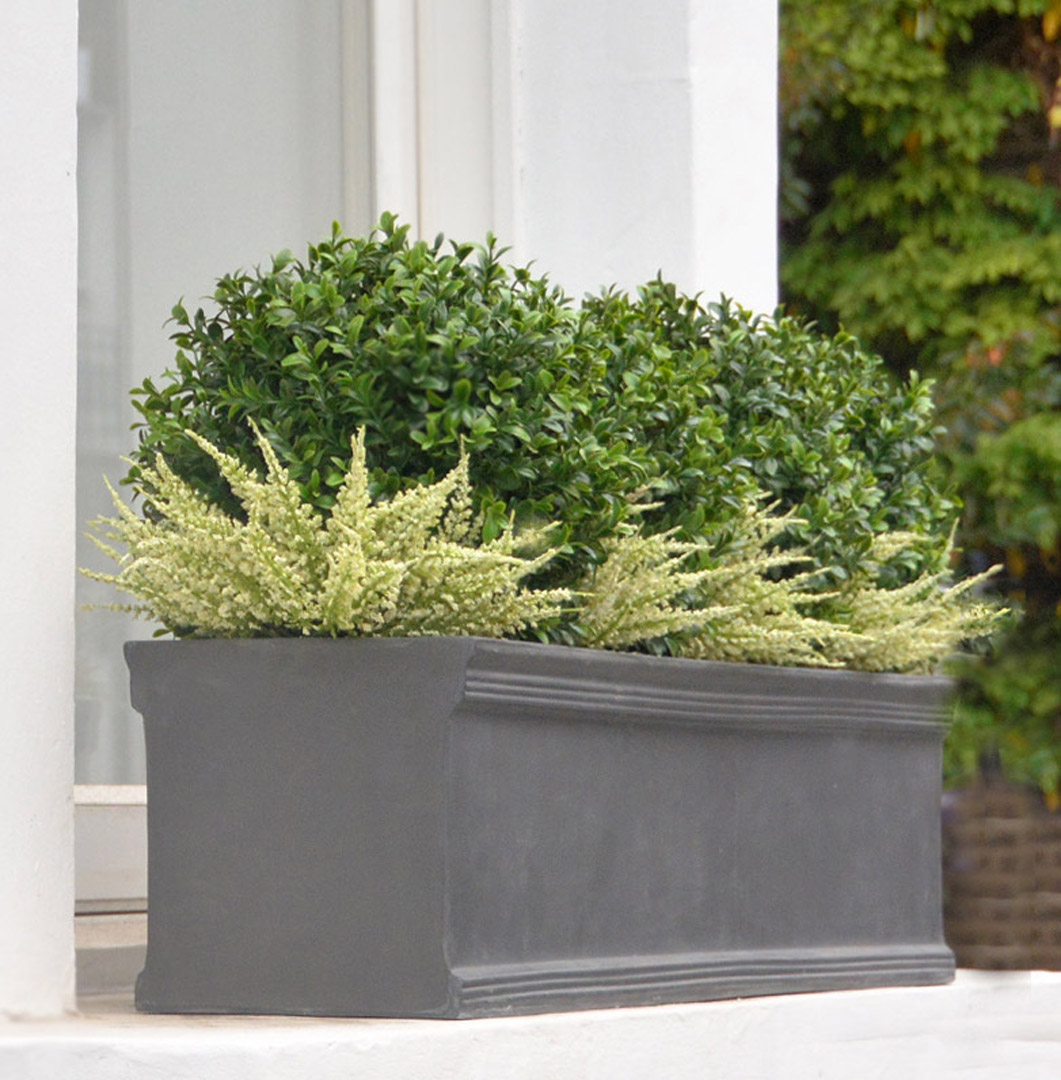 490 fake landscapes 28cm UV buxus with white heather in 90cm planter