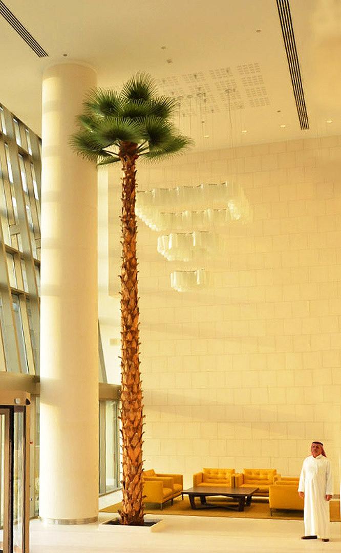 673 Fake landscapes Lobby palms 02