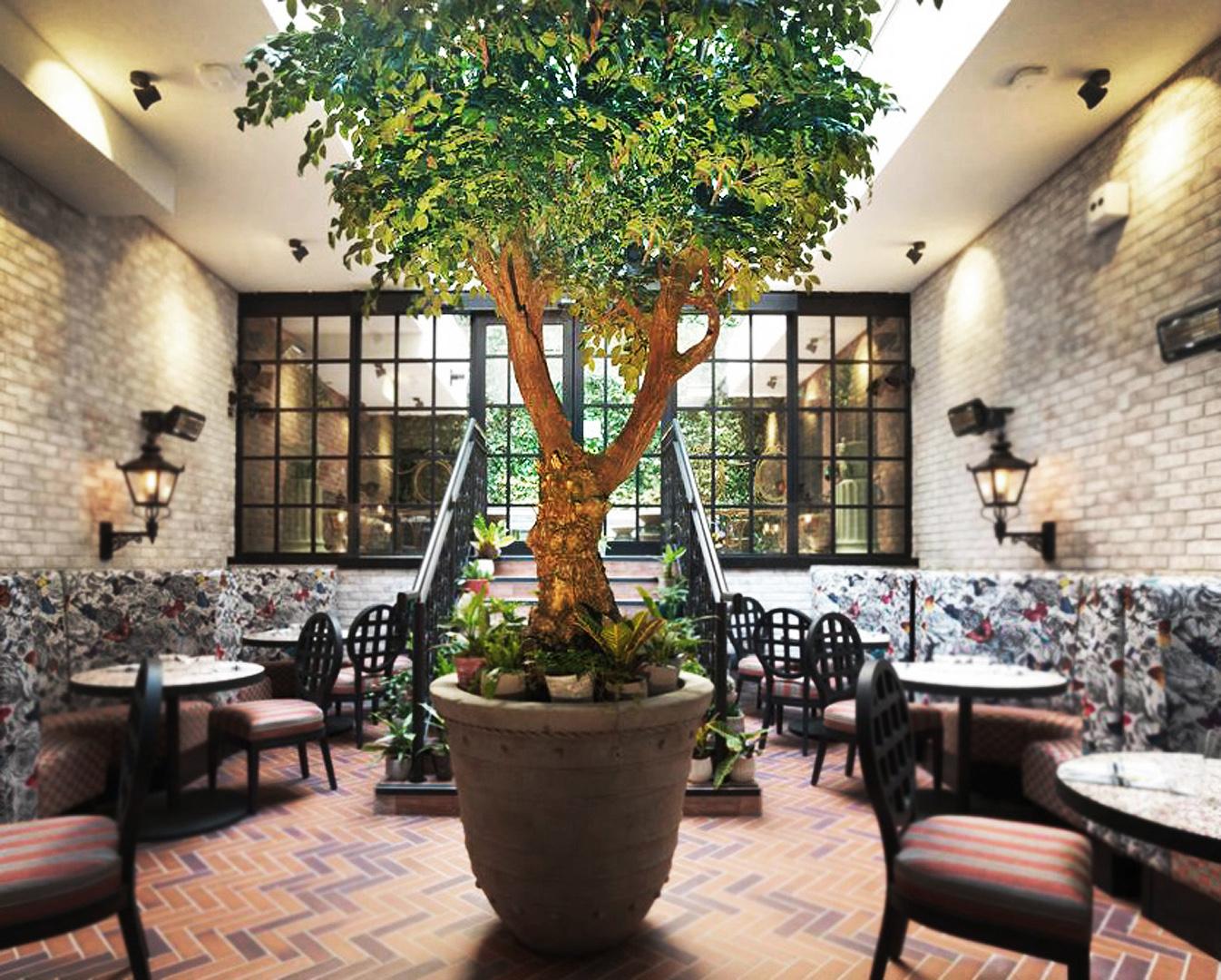 782 Fake landscapes handbuilt 4m tree Curtain Hotel